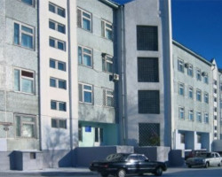 Клиника современной медицины в Благовещенске (фасад)