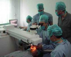 """Центр микрохирургии глаза """"АмурЛазер"""" в Благовещенске (врачи за работой)"""